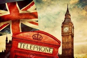 29471212-Simboli-di-Londra-Inghilterra-Regno-Unito-Cabina-telefonica-rossa-il-Big-Ben-e-la-bandiera-nazionale-Archivio-Fotografico